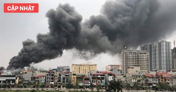 Chợ Quang ở Hà Nội cháy lớn, cảnh sát tìm kiếm người có thể đang mắc kẹt