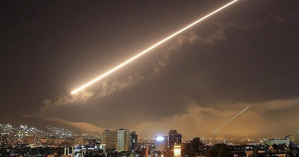 """Syria trao tận tay Nga 2 tên lửa tối tân của liên quân – Tên lửa mới, đẹp bị """"tóm sống""""?"""