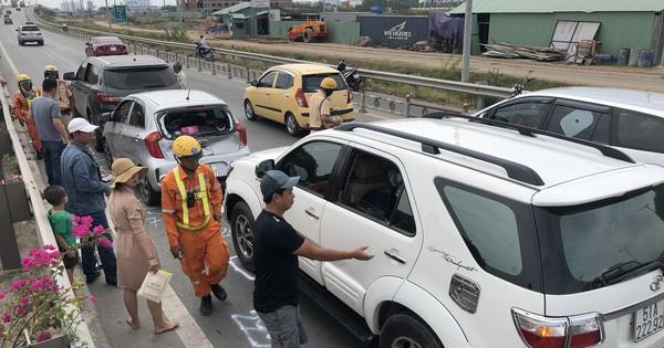9 xe đâm liên hoàn trên cao tốc TP HCM – Long Thành – Dầu Giây
