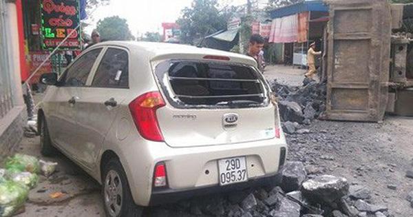 Có nên tặng bằng khen cho tài xế bẻ lái cứu mạng 2 nữ sinh?