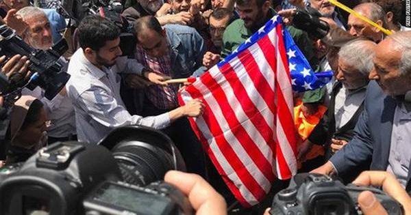 Iran chỉ trích TT Trump, dọa tái khởi động chương trình hạt nhân