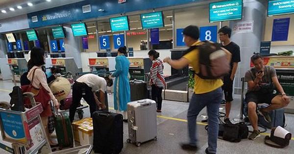Máy bay Vietnam Airlines 2 lần gặp sự cố, khách hoảng hồn vì liên tục chuyển chuyến