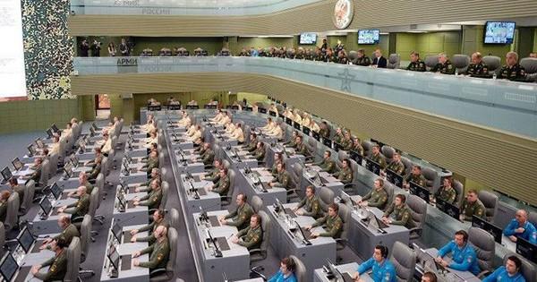 """Nga """"nghi binh"""" đẩy Mỹ vào thế bất an"""