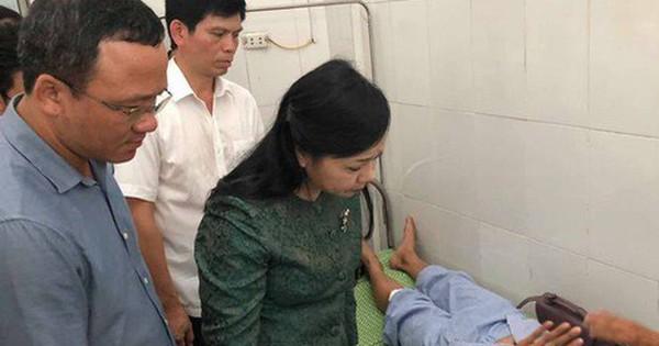 Bộ trưởng Nguyễn Thị Kim Tiến thăm nạn nhân vụ tai nạn đường sắt kinh hoàng