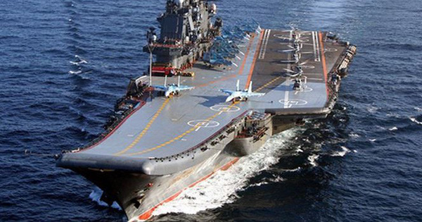 Tiết lộ lý do khiến tàu sân bay duy nhất của Nga phải sửa chữa