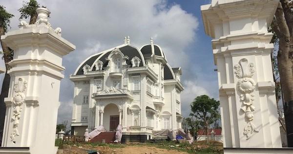 Xôn xao ngôi biệt thự rộng gần 2000m2 của cụ bà tuổi 78 ở Hà Tĩnh