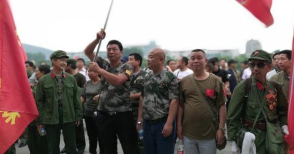 """Cựu chiến binh TQ biểu tình lớn, cảnh sát vũ trang ra tay: Thách thức """"giấc mộng Trung Hoa"""" của ông Tập"""
