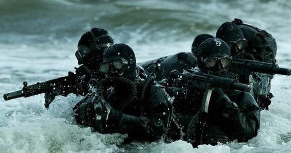 19 bức ảnh kỹ năng chiến đấu điêu luyện nhất của lính thủy đánh bộ Mỹ