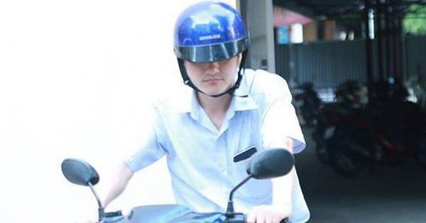 Hình ảnh ông Vũ Trọng Lương từ Sở GD-ĐT Hà Giang ra về