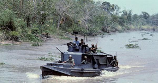Đội nữ trinh sát, biệt động tỉnh Cà Mau cắt bom diệt tàu địch trên sông