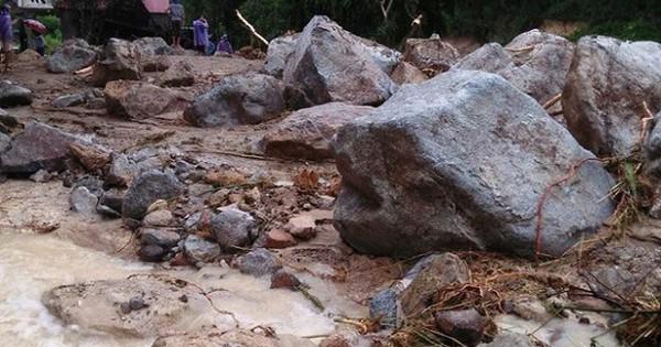 Ảnh: Huyện miền núi ở Thanh Hoá tan hoang sau lũ quét, 4 người chết và mất tích