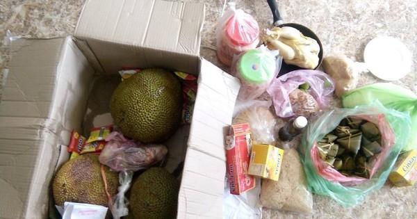 Chuyện sinh viên đi học xa nhà: Cả cuộc sống bỗng chốc thu bé lại vừa bằng thùng đồ ăn mẹ tiếp tế