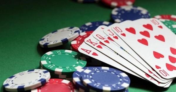 Khởi tố Đội trưởng Thanh tra giao thông huyện ở Cần Thơ về tội đánh bạc