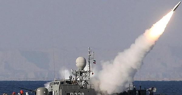 Iran điều 100 pháo hạm tới vùng Vịnh tập trận, Mỹ theo dõi sát