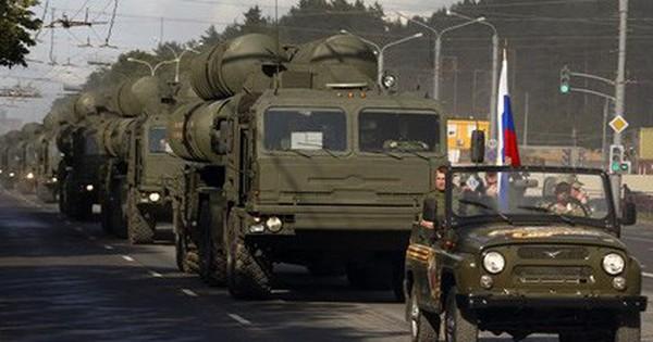 """Nga """"bán rẻ"""" hệ thống phòng không S-400 cho Ấn Độ bất chấp Mỹ dọa dẫm"""