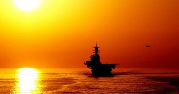 """Iran phong tỏa hải phận, """"cấm cửa"""" tàu chiến Mỹ"""