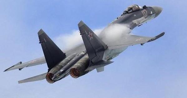 """Mỹ dùng chiêu bài gì để """"hất"""" Nga ra khỏi thị trường vũ khí Châu Á?"""