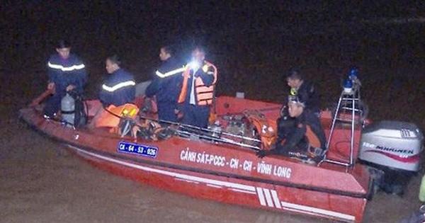 Tìm thấy thi thể bé gái 5 tuổi mất tích trên sông ở Vĩnh Long