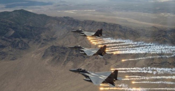 Mỹ phải mở rộng quy mô không quân đối phó Nga-Trung