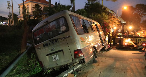 Lộ nhiều bất thường trước khi xe khách tông chết 2 cháu bé