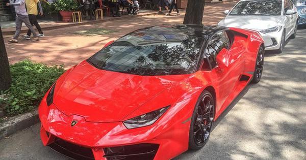 Lamborghini Huracan LP580-2 đầu tiên Việt Nam về tay đại gia Sài Gòn