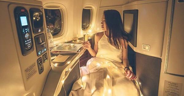 """Cô gái xinh đẹp bất ngờ bị dân mạng xúm vào """"ném đá"""" khi khoe ảnh cực sang chảnh trên máy bay"""