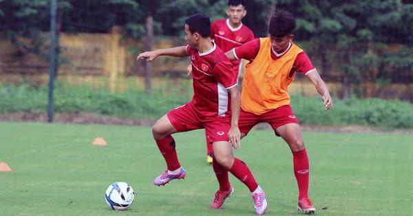Thi đấu quật cường, U19 Việt Nam khiến đàn em Suarez phải ngỡ ngàng