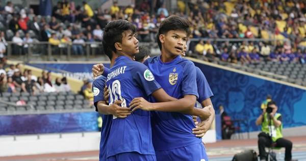 Vừa gây tiếng vang ở sân chơi châu lục, Malaysia đã lại phải khuất phục trước Thái Lan