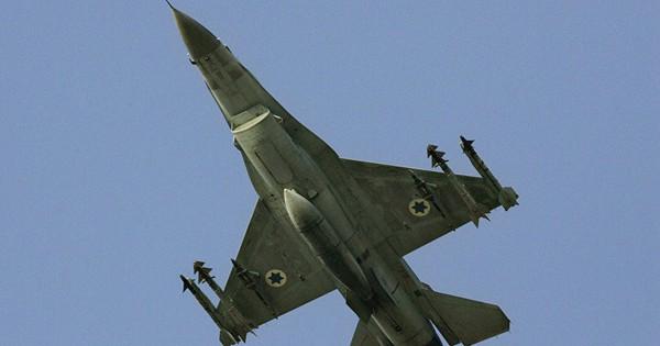 """Cuộc tấn công của Israel vào Syria là vì """"ức chế"""" thỏa thuận Nga-Thổ?"""