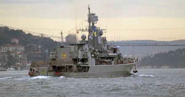 """Chiến hạm Ukraine tiến vào biển Azov, Nga cử Su-27 """"hộ tống"""""""