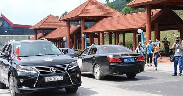 Khách Trung Quốc chính thức được tự lái xe vào Lạng Sơn du lịch