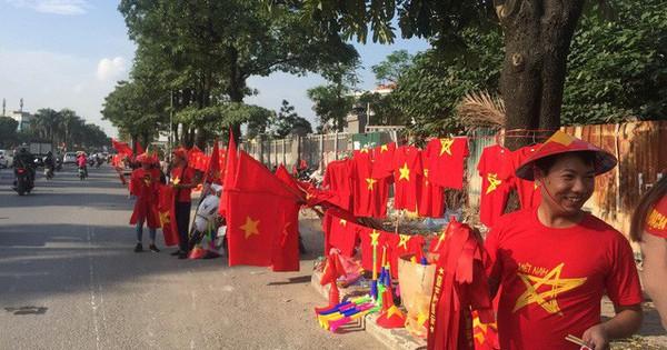 Choáng ngợp trước hình ảnh cờ đỏ sao vàng trước trận Việt Nam – Philippines