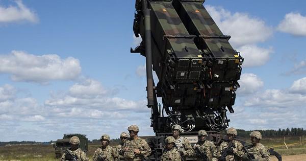 """Tung """"đòn"""" Patriot muộn màng, Mỹ không thể cứu vãn tình thế trước Nga"""