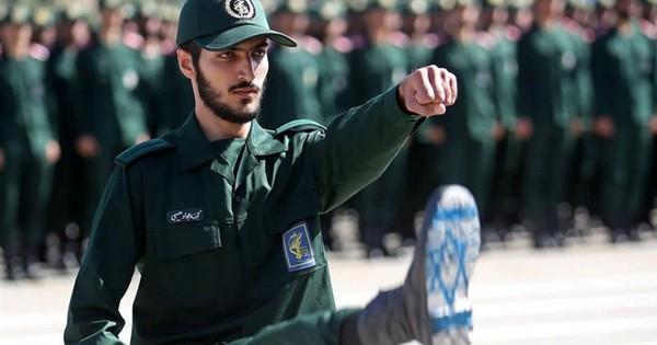 """Tuyên bố sốc của Iran về cuộc chiến """"hủy diệt"""" sau khi bị Israel tấn công ở Syria"""