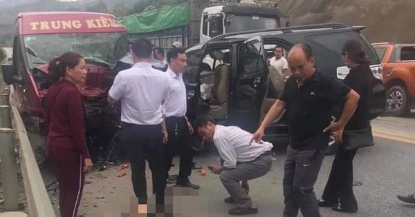 Xe khách đấu đầu xe 7 chỗ trên cao tốc Nội Bài – Lào Cai khiến 9 người bị thương