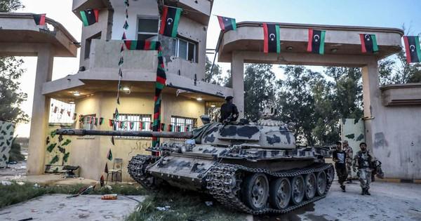 """""""Khúc xương khó nhằn"""" Tripoli: Lực lượng LNA thiệt hại nặng nề, bị GNA chặn đứng ra sao?"""