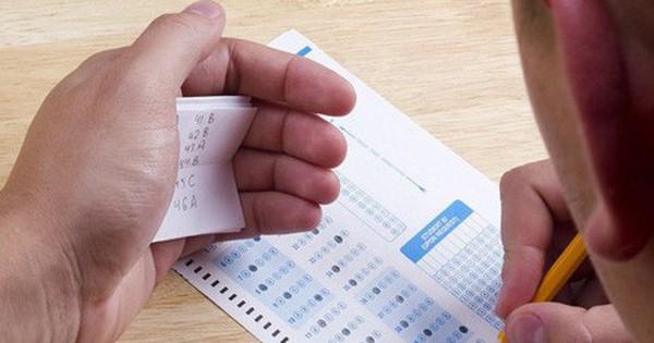 Vụ gian lận thi cử: Thí sinh cố tình không điền đáp án để dễ nâng điểm?
