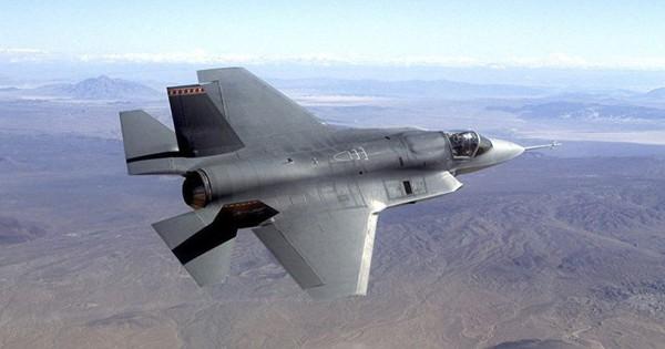 """Tiêm kích F-35 Israel xuất chiêu độc tấn công Aleppo: Phòng không Syria """"bó tay""""!"""