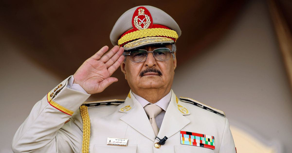 """Chiến sự Libya: Vì sao các cường quốc """"bỏ rơi"""" GNA, không ngăn cản tướng Haftar hoành hành Tripoli?"""