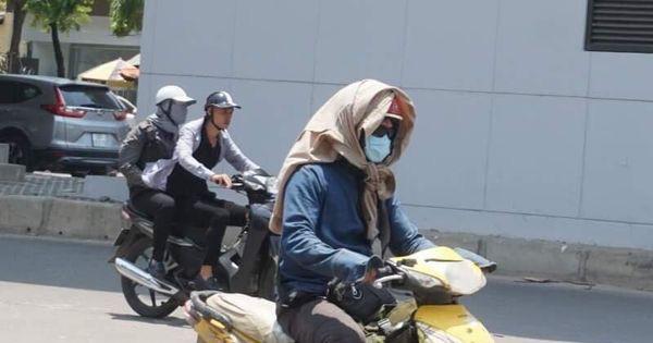Chuyên gia cảnh báo người dân hạn chế ra đường ngày Hà Nội nắng nóng