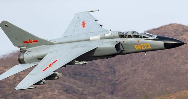 Máy bay cường kích chiến trường Trung Quốc rơi ở Sơn Đông