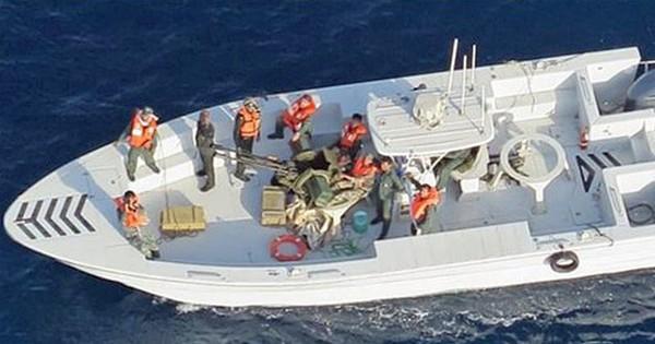 Mỹ bất ngờ tung thêm hình ảnh mới, tăng sức nặng cho cáo buộc Iran cài mìn lên tàu dầu