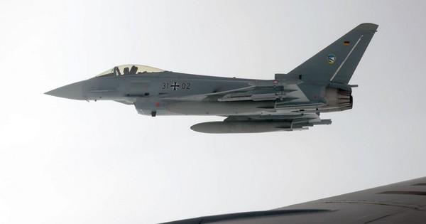 """Hai """"F-35 của Châu Âu"""" va chạm trên không: Đức ngậm đắng nuốt cay mất toi hơn 200 triệu USD?"""
