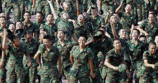 """Singapore nên """"nhìn xuống chân"""" để biết sức mạnh quân sự của mình ở đâu"""