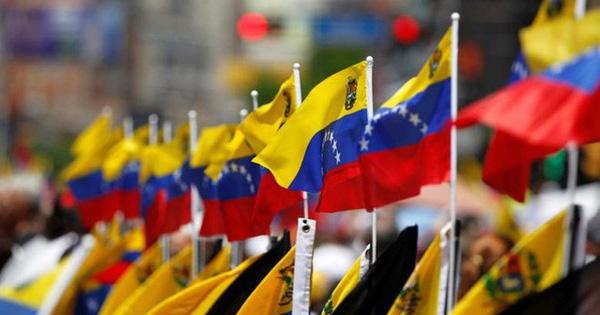 Nga sẵn sàng gửi thêm chuyên gia quân sự đến Venezuela