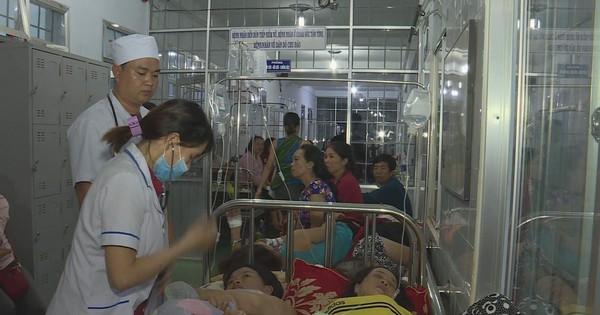 Hơn 200 trăm người nhập viện sau khi đi ăn đám cưới