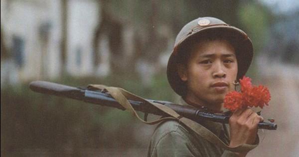 Bảo vệ biên giới – Việt Nam anh hùng: Chiến tranh ở hai đầu đất nước