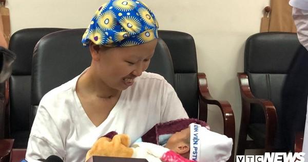 Mẹ ung thư giai đoạn cuối quyết sinh con: Hôm mổ đẻ mong được con vuông, không cần mẹ tròn
