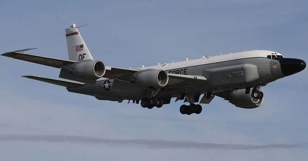 Bên trong máy bay trinh sát RC-135 lợi hại của không quân Mỹ