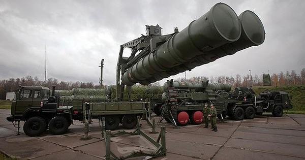 """Ấn Độ hé lộ thời điểm tiếp nhận """"rồng lửa"""" S-400 từ Nga"""